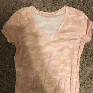 Gap t shirt size large